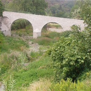 The medieval bridge in Cascastel